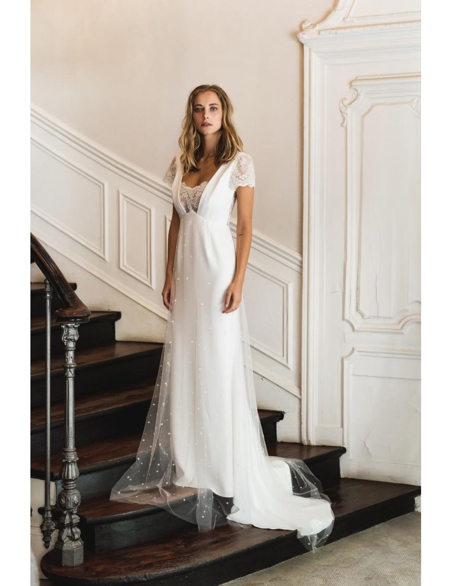 Angelique wedding dress harpe paris for Wedding dress in paris