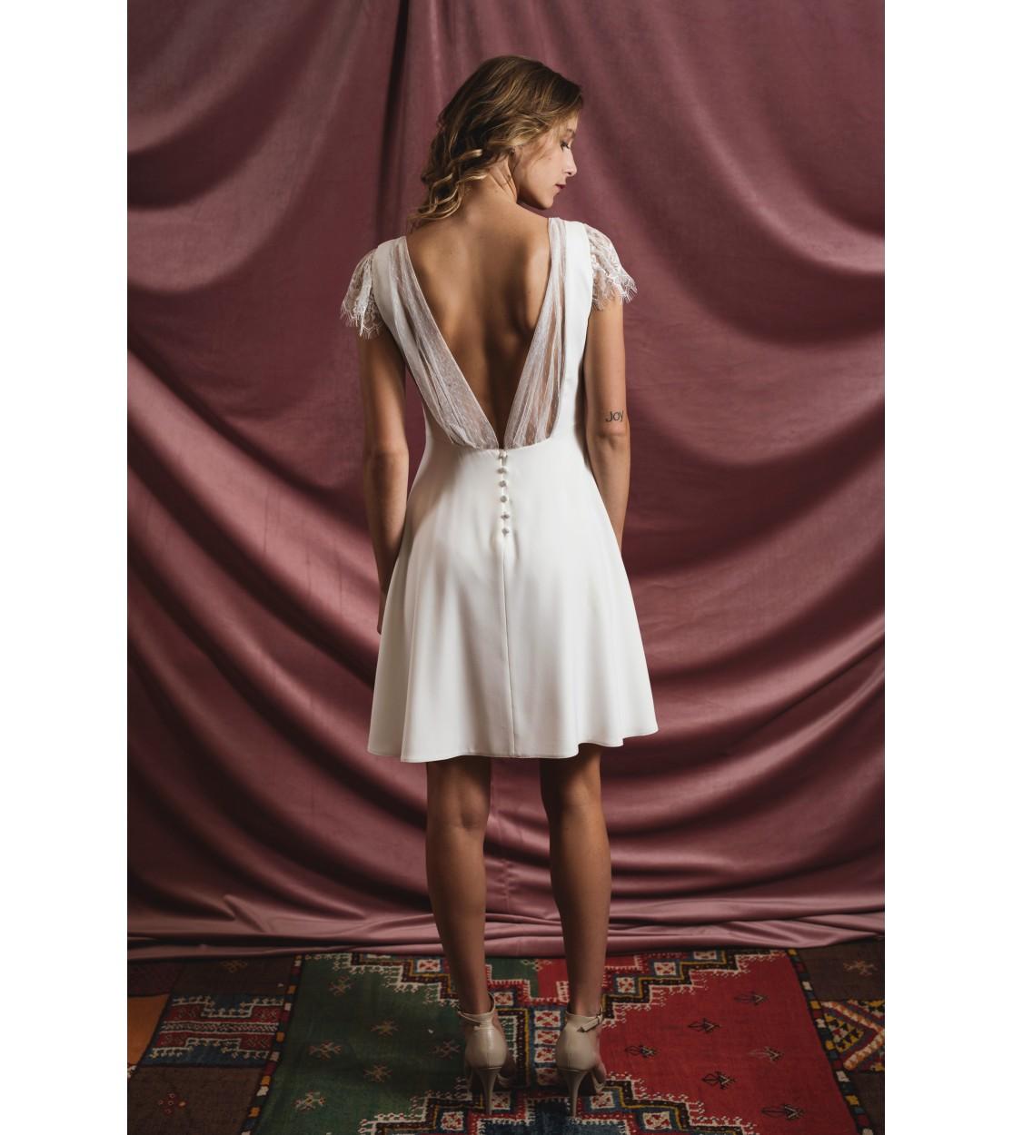 d665be7f619 La petite robe blanche - Harpe Paris
